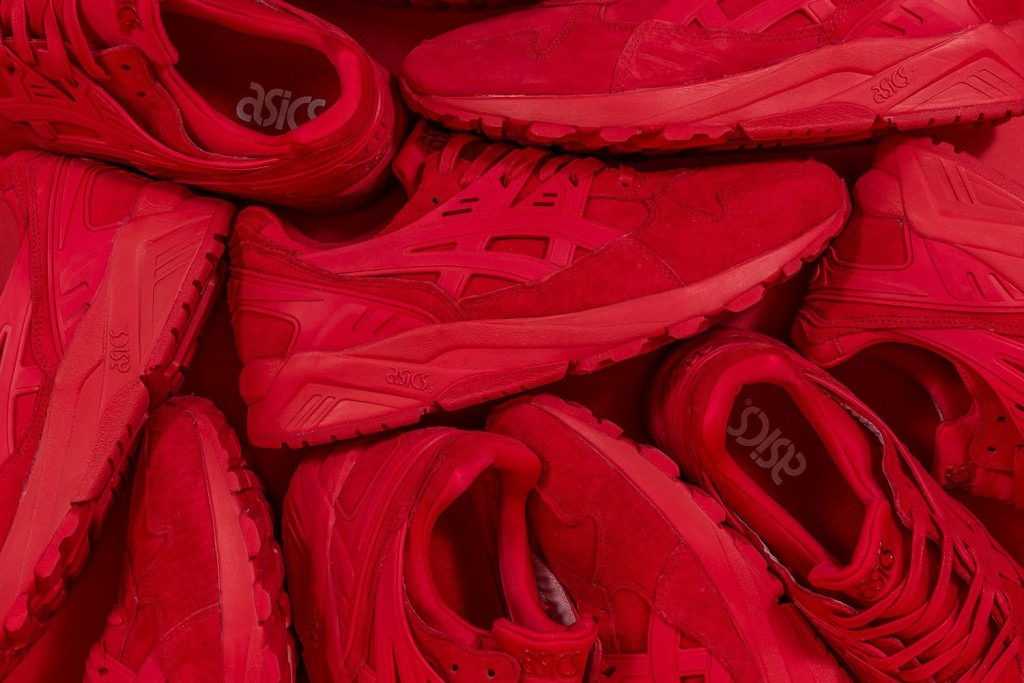 packer-shoes-asics-gel-kayano-triple-red-01