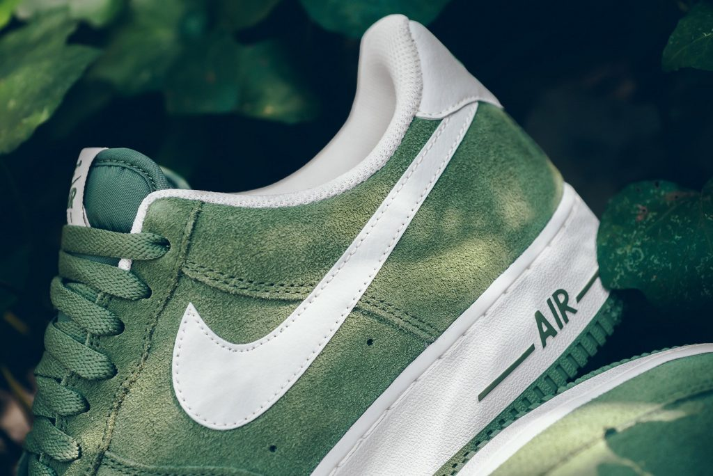 nike-air-force-1-palm-green-white-2